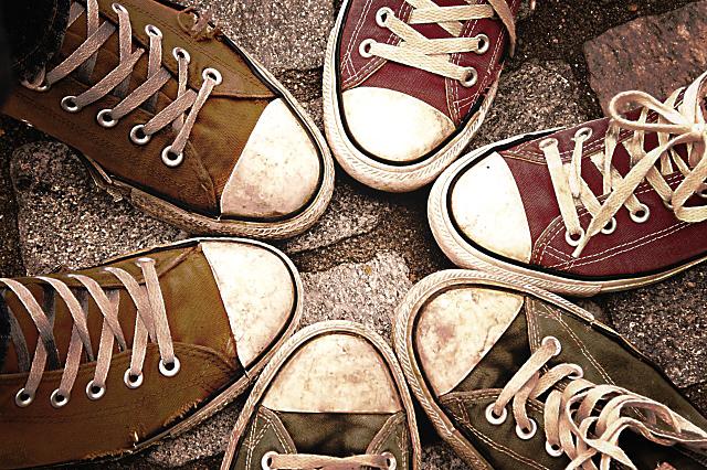 プロが教える!キャンパス生地の靴のお手入れ方法
