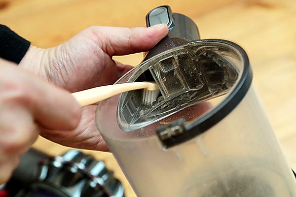 ダストカップの掃除方法