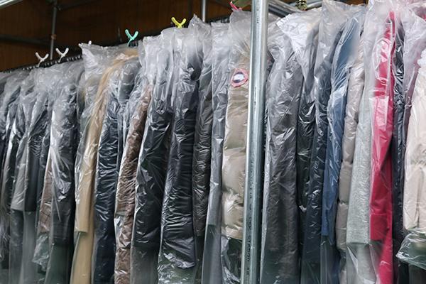 宅配クリーニングの洋服は、ダウンやコートが圧倒的